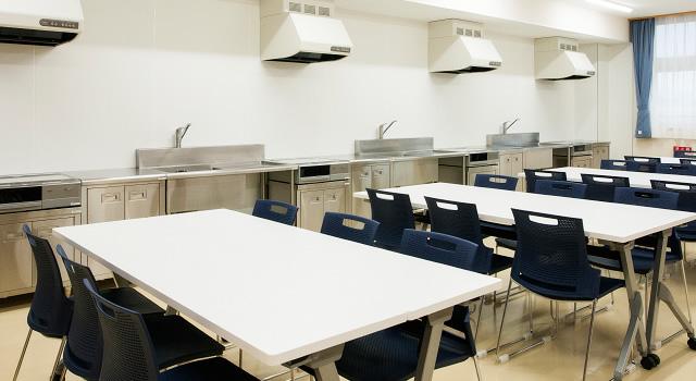 『会議や料理教室なども行える 研修室』の画像